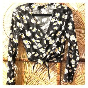 Cute daisy crop top from H&M